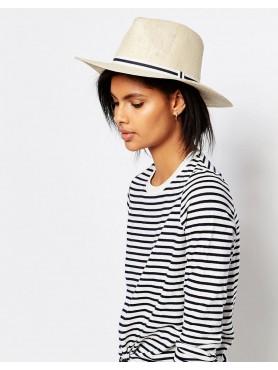 Chapéu de palha estilo barco
